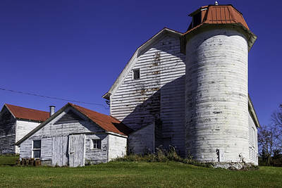 Barnyard Photograph - Old Red Roofed Barn by Garry Gay