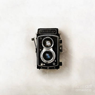 Digital Art - Old Rolleiflex Twin Reflex Camera by Edward Fielding