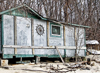 Photograph - Old Shack On The Beach In Glen Cove by Bob Slitzan