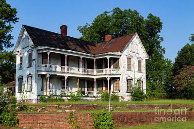 Photograph - Old Shull Mansion by Charles Hite