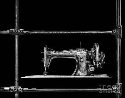 Photograph - Old Singer Sewing Machine by Walt Foegelle
