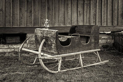 Photograph - Old Sled Hermann Farm Mo Dsc2959_16 by Greg Kluempers