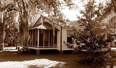 Photograph - Old South Retreat by Sheri McLeroy