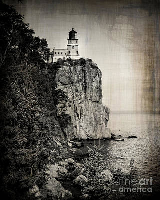 Duluth Photograph - Old Split Rock Lighthouse by Perry Webster