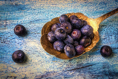 Blueberry Wall Art - Photograph - Old Spoon Full Of Blueberries by Garry Gay