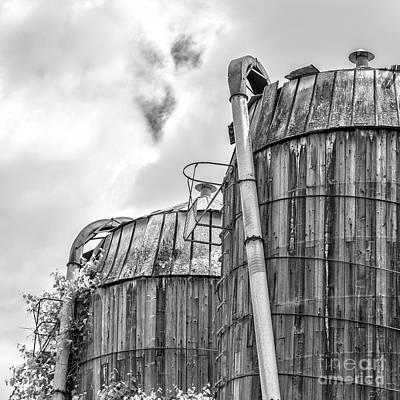 Photograph - Old Texas Wooden Farm Silos by Edward Fielding