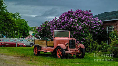 Micmac Painting - Old Time Tow Truck by John Simon