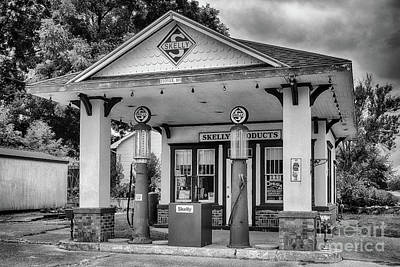 Skelly Photograph - Old Time Gas Station by Terri Morris