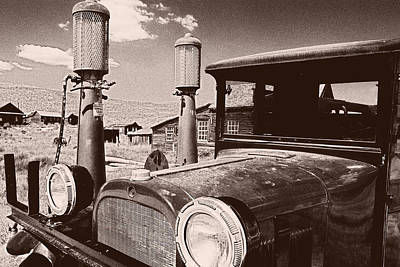 Cal State Photograph - Old Truck At The Pump by George Oze