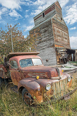 Photograph - Old Truck by Craig Leaper