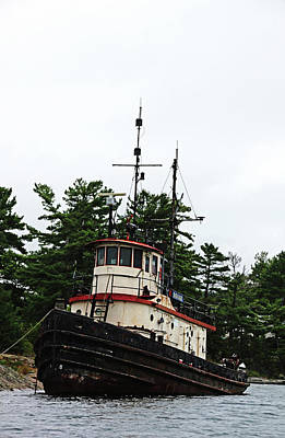 Photograph - Old Tug by Debbie Oppermann