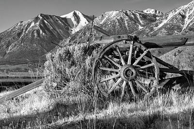 Photograph - Old Wagon Near Jobs Peak by James Eddy