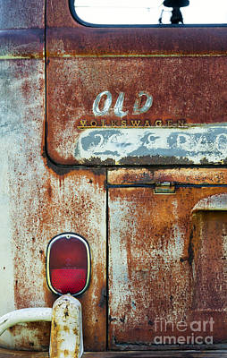 Photograph - Old Wagon by Tim Gainey