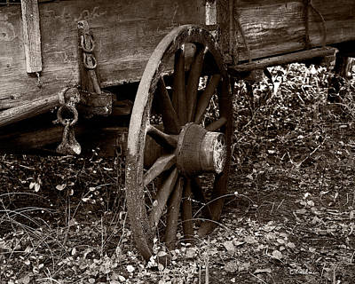 Photograph - Old Wagon Wheel by Christopher Holmes