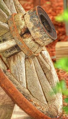 Photograph - Old Wagon Wheel by Jerry Sodorff
