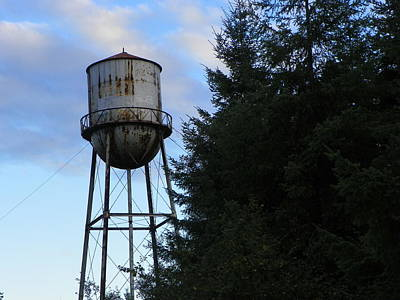 Lamdscape Photograph - Old Water Tower by Laurie Kidd