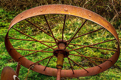 Photograph - Old Wheel by Keith Elliott