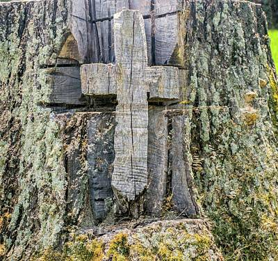 Photograph - Old Wooden Cross Carved In Stump by Douglas Barnett