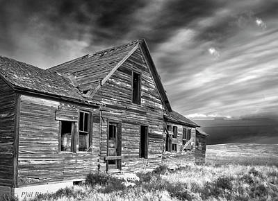 Photograph - Old Wyoming Farm House by Philip Rispin