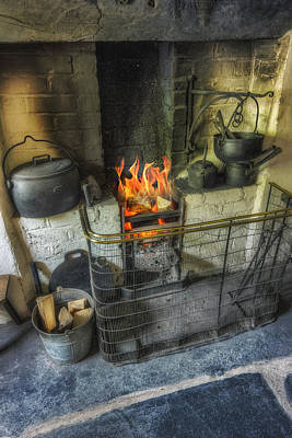 Photograph - Olde Kitchen Fire by Ian Mitchell