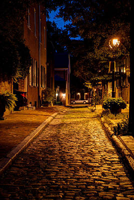Olde Town Philly Alley Print by Mark Dodd