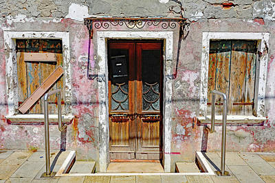 Photograph - Older House On The Island Of Burano, Italy by Richard Rosenshein