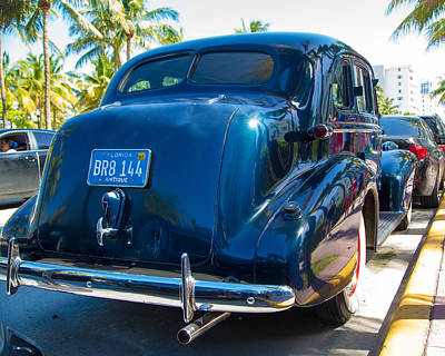 Palm Tree Photograph - Oldsmobile 1937 From The Rear by J Darrell Hutto