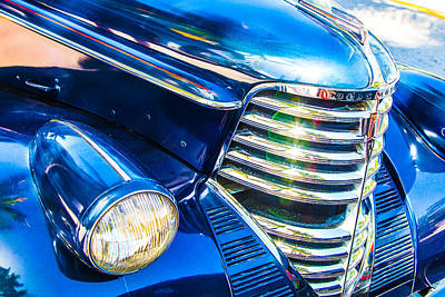 Palm Tree Photograph - Oldsmobile 1937 Grille by J Darrell Hutto