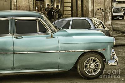 Photograph - Oldsmobile In Havana by Patricia Hofmeester