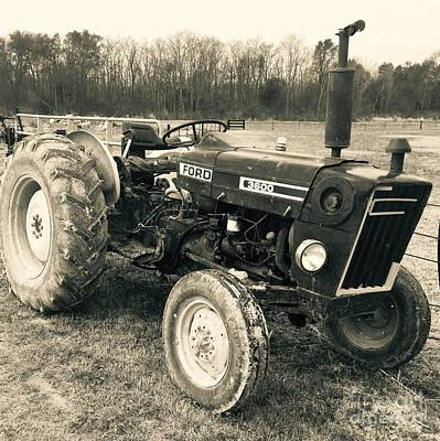 Photograph - Ole' Country Tractor by Robin Lewis