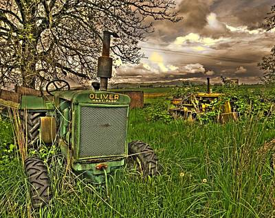 Oliver Tractor Photograph - Oliver 1931 by Peter Schumacher