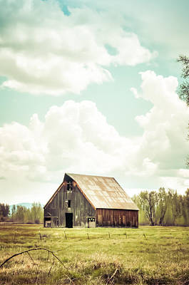 Olsen Barn In Green Art Print