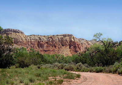 Georgia Okeefe Photograph - On Ghost Ranch by Gordon Beck