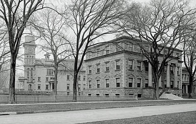 Photograph - On The Campus Of Yale C1907 by L O C