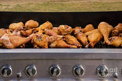 Que Photograph - On The Grill by Bob Phillips