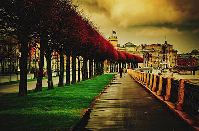 Photograph - On The Quay - Saint Petersburg, Russia by Pixabay