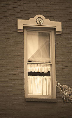 Jonesborough Tennessee - One Window Art Print by Frank Romeo