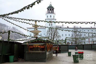 Photograph - Opening At The Salzburg Christkindlmarkt by John Rizzuto