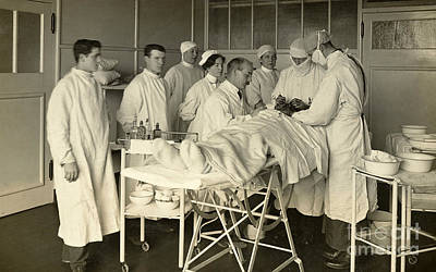 Operating Theater, London, 1915 Art Print by Wellcome Images