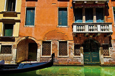 Photograph - Orange Building And Gondola by Harry Spitz