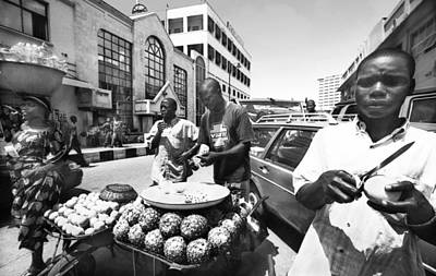 Photograph - Fruit Vendors At  Apongbon by Muyiwa OSIFUYE