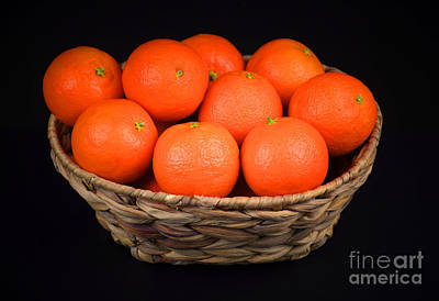 Oranges In A Basket Print by Ray Shrewsberry