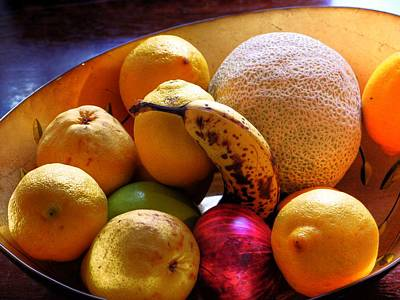Photograph - Ordinary Fruit Bowl by Lawrence Christopher