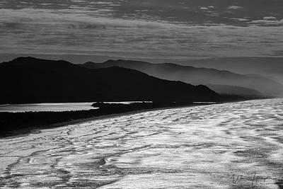 Photograph - Oregon Coast - 8032,sw by Wally Hampton