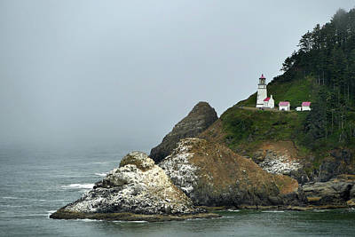 Photograph - Oregon Coast Hecta Head Light by Jeff Brunton