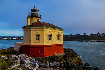 Coquille River Lighthouse Photograph - Oregon Coast Lighthouse by Garry Gay