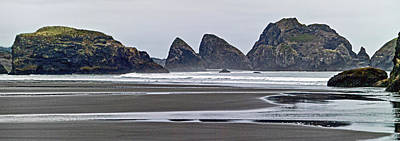Photograph - Oregon Tide by L J Oakes