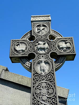 Photograph - Ornate Cross by Ed Weidman