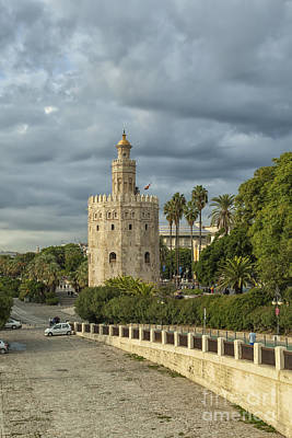 Photograph - Oro Tower In Seville by Patricia Hofmeester