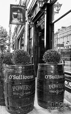 Photograph - O'sullivans, Dublin by Jim Orr